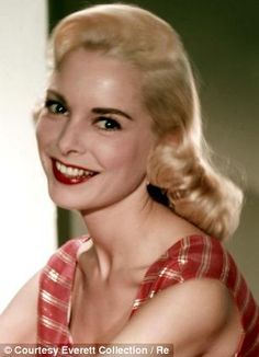 Risultati immagini per janet leigh Hollywood Icons, Hollywood Actor, Golden Age Of Hollywood, Vintage Hollywood, Hollywood Glamour, Hollywood Stars, Hollywood Actresses, Classic Hollywood, Tony Curtis