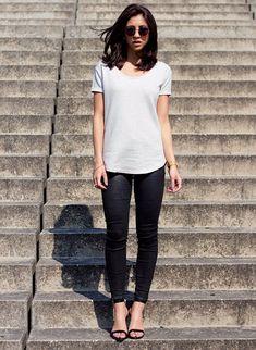 Você nem vai acreditar em como pode ficar estilosa com uma camiseta branca super baratinha.
