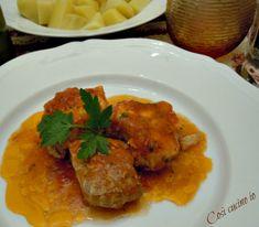 """Spezzatino di palomboin umido. A Venezia si chiama """"cagnoletto"""" ed è un pescemolto leggeroedelicatoche si presta a molte ricette. Bollito,in zuppa, f"""