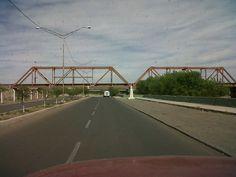 Bulebard Nájera y el puente del tren al fondo