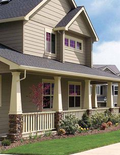Craftsman Columns - Born out of the understated, practical tradition of the early 1900's Arts and Crafts movement, the square tapered column has become popular in modern adaptations of Craftsman, Prairie, Bungalow, Country and Mission style homes of today.