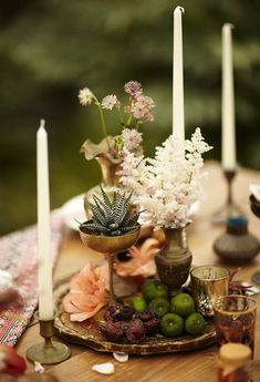 Photo: Scott Clark Photo via 100 Layer Cake; The perfect wedding centerpiece for a chic fall wedding!