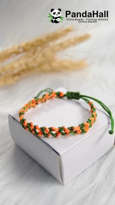 Tutorial on Two-color Braided Bracelet - - Tutorial on Two-color Braided Bracelet Jewelry Craft Video Tutorial on Two-color Braided Bracelet Diy Crafts Jewelry, Diy Crafts For Gifts, Bracelet Crafts, Handmade Jewelry, Rope Crafts, Diy Friendship Bracelets Patterns, Diy Bracelets Easy, Braided Bracelets, Macrame Bracelet Patterns