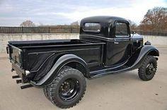 1935 Ford 4x4 1 ton dually.