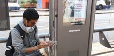 Phone Charging Bus Shelters Bus Stop / Estações - Paris