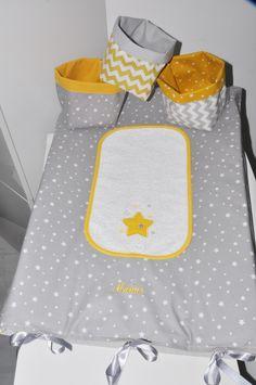 housse matelas à langer personnalisé étoile grise + 1 lange étoiles brodés jaune : Puériculture par lbm-creation