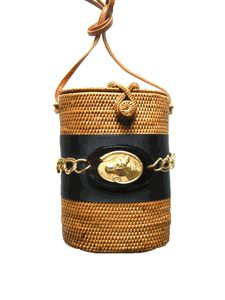 Horse Country Chic: Bosom Buddy Bags    great blogpost!