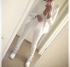 coat blazer white top open front long sleeves all white timberland boots timberlands shirt white t-shirt v cut v neck shoes tank top pants White Timberland Boots, White Timberlands, Timberland Outfits, White Fashion, Look Fashion, Urban Fashion, Womens Fashion, Daily Fashion, Models