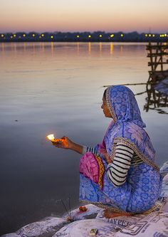 Prayers along the Ganges