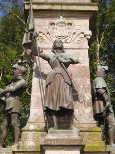 Mémorial du comte de Chambord : Jeanne d'arc, Sainte-Anne-d'Auray, Morbihan, Bretagne