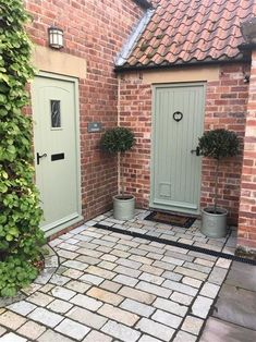 An inspirational image from Farrow and Ball. love this colour! Cottage Front Doors, Cottage Door, House Front Door, Cottage Exterior, Exterior House Colors, Exterior Doors, Exterior Paint, Country Front Door, Front Porch