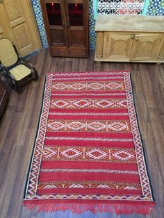 This is recently sold out berber rugs , you can inspire your custom made rugs here ! Saddle Blanket, 4x6 Rugs, Berber Rug, Kilim Rugs, Color Combinations, Bohemian Rug, Weaving, Carpet, Handmade