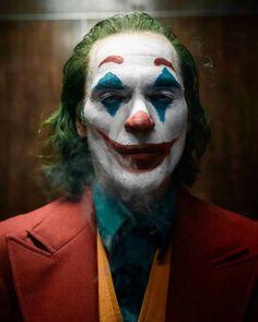 "El oscuro y desgarrador ""Joker"" de Joaquin Phoenix - Women Tutorial and Ideas Joker Batman, Joker And Harley Quinn, Batman Robin, Joaquin Phoenix, Joker Phoenix, Joker Film, Joker Poster, Joker Images, Make Funny Faces"