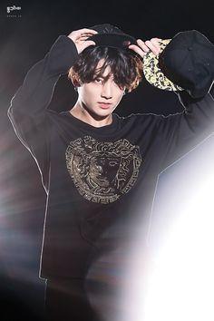 思わず保存したグク❤そしてテテの横顔 | ❤防弾少年団 BTS テテに夢中❤ Bts Jungkook, Taehyung, Maknae Of Bts, Namjoon, Foto Bts, Bts Photo, Jung Kook, Jeongguk Jeon, Googie