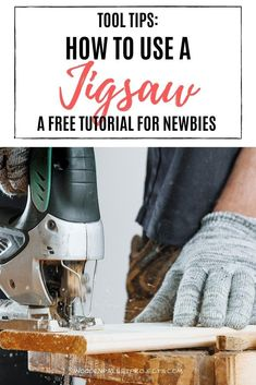 A free tutorial for power tools newbies that will show you how to use a jigsaw power tool to achieve great results every time. #jigsawpowertoolguide  #jigsawsafetytips Craft Projects For Kids, Diy Home Decor Projects, Craft Activities For Kids, Decor Crafts, Woodworking Power Tools, Beginner Woodworking Projects, Diy Woodworking, Homemade Wood Signs