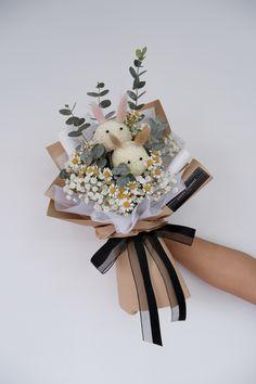 Flower Bouquet Diy, Bouquet Wrap, Beautiful Bouquet Of Flowers, Beautiful Flowers, Creative Flower Arrangements, Beautiful Flower Arrangements, Floral Arrangements, How To Wrap Flowers, Balloon Flowers