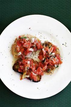Ihania bruschettaleipiä. Kokosimme pienen ruokaoppaan Sisiliaan.