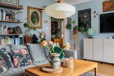 Living Room Inspiration, Interior Design Inspiration, Design Ideas, Living Room Interior, Living Room Decor, Artistic Room, Vintage Apartment, Studio Apartment Decorating, Living Styles