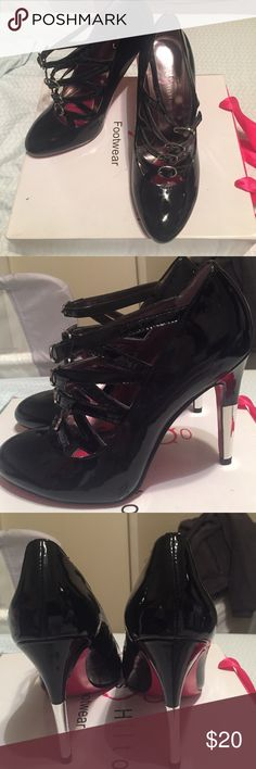 Brand new Paris Hilton heels size 8 1/2 Brand new adorable patent leather Paris Hilton heels. Love this shoes for the winter .. never worn in box size 8.5 $20 paris hilton Shoes Heels