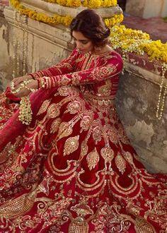 Mohsin Naveed Ranjha - Ghar Naari collection available to order Mumtaz, a bridal consisting of a silk pishwas with… Pakistani Bridal Dresses Online, Indian Bridal Outfits, Indian Bridal Fashion, Pakistani Bridal Wear, Pakistani Wedding Dresses, Indian Dresses, Punjabi Wedding, Indian Bridal Couture, Indian Bridal Photos