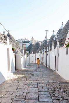 My favorite thing to do in Alberobello, Puglia, Italy: explore! | A guide to visiting Alberobello, Puglia, Italy's most unique and picturesque town. The perfect off-the-beaten-path destination!