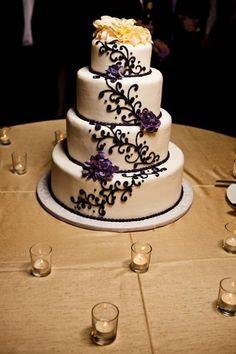 Black Gold Ivory Purple White Round Wedding Cakes Photos Pictures Weddingwire