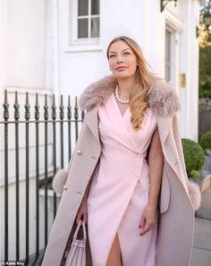 Anna Bey reveals how she went from 'plain jane' to jet setter - Elegant Outfit Dresses Elegant, Elegant Outfit, Classy Chic Outfits, Classy Outfits For Women, Elegant Clothing, Pretty Dresses, Casual Dresses, Look Fashion, Girl Fashion
