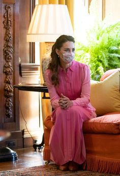Kate Middleton Outfits, Kate Middleton Style, Pink And Blue Dress, Blue Dresses, Prince William And Kate, William Kate, Duke And Duchess, Duchess Of Cambridge, Love Her Style