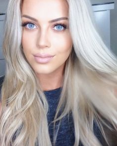 """Chloe Boucher - """"This hair is giving me life @jenatkinhair Clip-in extensions in 'Santa Monica'. Launching this month on @beauty_worksonline #jenatkinhair #beautyworksonline #blonde #hair"""""""
