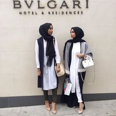 Simply Covered | hijabistas mipsterz B&W look black hijab muslim street style