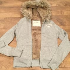 FUR LINED JACKET Abercrombie jacket....warm, Super Soft grey sweatshirt surrounding a thick very soft fur lining. Beautiful hood with fur. Like new. No matted fur!!  Awesome sweatshirt!!  respectful offers please - already reduced $50 Abercrombie & Fitch Jackets & Coats