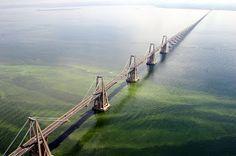 Лучшие инженерные сооружения: Мост Генерала Рафаэля Урданеты (Puente General Raf...