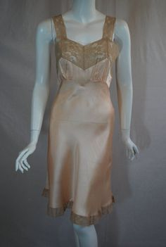 1940s Heavenly Fischer Silk Slip, 31, Xsmall, Peachy Pink with Ecru Lace Full…