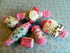Handmade fabric beads_Fabric Crafts