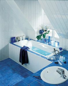 gorgeous blue bathroom