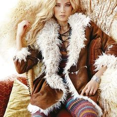Getting cozy is all I can think about nowdays. 🍃🍂☕️ #cozy #cozyvibes #fashion #womensfashion #fall #fallfashion #bohemian #boho #fallstyle #buyonline #onlineshopping #boutique #tightspetite #hippie #streetsyle #colours #knit #fluffy #beauty #natural #ootd #potd #picoftheday #dress #coat #blonde #fur #fauxfur #lace #tights
