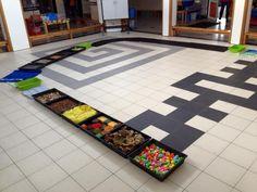 blotevoetenpad Museum Education, Kids Rugs, Contemporary, Fun, Home Decor, Sensory Play, Lyrics, Gymnastics, Decoration Home
