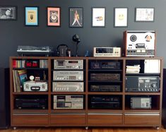 Stereo Interior design may be the art and science of enhancing the inside of a Som Retro, Room Acoustics, Audio Rack, Vinyl Room, Home Theater Rooms, Japanese Interior, Record Storage, Home Entertainment, Interiores Design