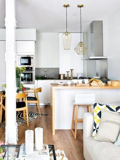 10 Kitchen Layout Mistakes And 30 Open Concept Kitchens (Pictures of Designs & Layouts) - Di Home Design Kitchen Bar Design, Kitchen Layout, Kitchen Decor, Kitchen Cart, Kitchen Storage, Open Plan Kitchen Living Room, Home Decor Baskets, Scandinavian Kitchen, Functional Kitchen