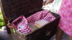 American Girl Doll Crafts and Fun!: Craft: Doll Picnic Basket and Sandwich