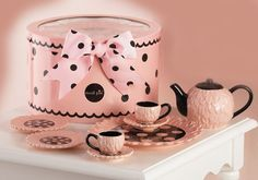 Will someone I know have a girl so I can play tea party with it? Lol