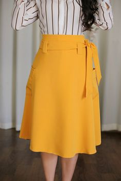 Saia_Midi_Mostarda_Jany_Pim_Aquila_Tauheny_Store_Moda_Evangelica_Roupas_Cristas in 2020 Modest Skirts, Cute Skirts, Blouse And Skirt, Dress Skirt, Sunmer Dresses, Fashion Wear, Fashion Outfits, Classy Work Outfits, Future Clothes