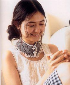 nimblehands: Free Pattern! Crochet Lady Neck Warmer*