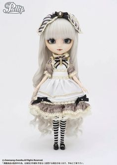 *Available Now Accessories: Headdress, Doll Stand Set Contents: Headdress, One-Piece Dress, Apron, Tights, Shoes Feeling: ''DRINK ME''… Mysterious small bottle, I wonder if I should take just a sip….Feel Like So.