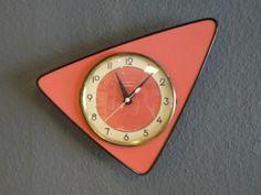 pendule formica rose vintage:♥ Un design purement rétro !