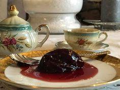 ΜΑΓΕΙΡΙΚΗ ΚΑΙ ΣΥΝΤΑΓΕΣ: Δαμάσκηνο στον φούρνο -γλυκό κουταλιού !!! Sweet Recipes, Tea Pots, Caramel, Tableware, Cakes, Sticky Toffee, Candy, Dinnerware, Cake Makers