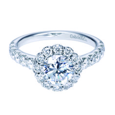 #bridal #Gabriel&co #halo #diamonds