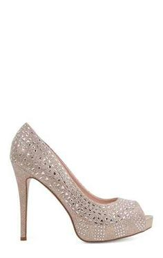 I'm way to tall for heels but I'm in love with these♥