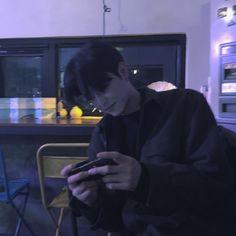 ulzzang boy 얼짱 cute hot fit kawaii adorable korean pretty handsome beautiful japanese asian soft aesthetic 男 男の子 g e o r g i a n a : 人 Korean Boys Hot, Korean Boys Ulzzang, Korean Couple, Ulzzang Boy, Korean Men, Asian Boys, Asian Men, Ulzzang Couple, Beautiful Boys