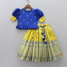 Girls Frock Design, Baby Dress Design, Kids Frocks Design, Baby Frocks Designs, Baby Girl Frocks, Frocks For Girls, Dresses Kids Girl, Kids Dress Wear, Kids Gown